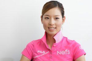 ゴルフ 女子 韓国 かわいい