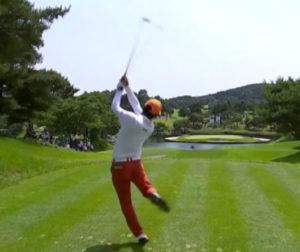 ゴルフ アイアン 飛距離 ランキング